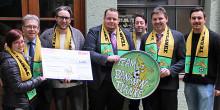 5.000 Euro für Regensburger Verein Team Bananenflanke