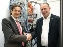 Deutsche Glasfaser Business bindet das erste Unternehmen im Gewerbegebiet Dietzenbach an das Hochgeschwindigkeitsnetz an
