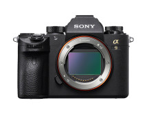 Sony med programvareoppdatering for α9 med Real-Time Eye AF for dyr, intervallopptak, og RMT-P1BT-kompatibilitet.