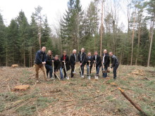 Baubeginn: Bayernwerk Natur beteiligt sich an der Windkraft Gerolsbach. Erstmalige Kooperation mit Kommune und Bürgerenergiegenossenschaft