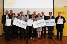 Presseinformation: Bürgerenergiepreis Niederbayern 2015 verliehen - Bayernwerk und Regierung von Niederbayern würdigen gesellschaftliche Impulse für die Energiezukunft