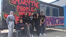 """""""Alla har fördomar om hur vi är"""" – Ungdomar från Adolfsberg startar podcastför att lyfta nya perspektiv"""