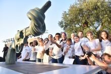 """Beirut officially unveils the Knotted Gun """"Non-Violence"""" sculpture, in the first Arab capital."""