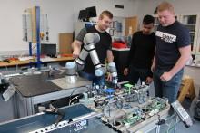 Bag enhver robot står professionelle fagfolk