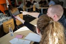 Ny yrkeshögskoleutbildning ska ge fler vuxna i klassrummet