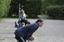 Luokka ryöpsähtää esiin tanssivassa ruumiissa