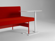 Tool, ett justerbart sidobord av Studio Irvine