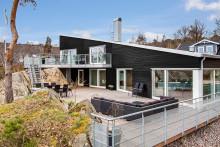 Lyxigt matt fasad på huset med Nordsjö Supermatt