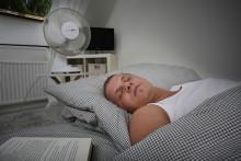Lauwarmduscher schlafen besser