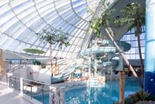 Luvassa trooppista tunnelmaa, lämpöisiä saunoja ja ämpärisuihku ─ suosittu Scandic Eden Nokia -kylpylähotelli avautui tänään uudistettuna