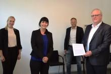 Vertrag unterschrieben: Westfalen Weser Netz übernimmt Straßenbeleuchtungsnetz in Höxter