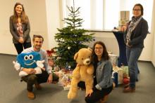 Gelunge Weihnachtsaktion von Check 24: 89 hübsche Päckchen für unsere Bärenherz-Kinder