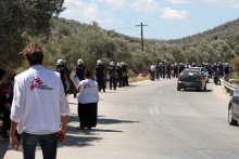 Grekland: Läkare Utan Gränsers klinik utanför Morialägret utsatt för attack