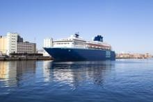 Sunny cruise premiere in Malmö