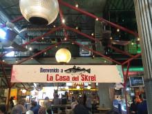 Feirer skreien på trendy marked i Madrid