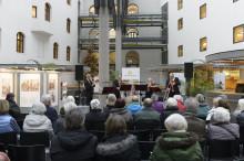 Münchner Symphoniker und Junge Chöre sorgen für musikalische Weihnachtsstimmung in der Innenstadt im Tal