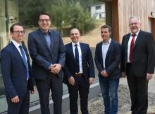 """Bayernwerk übernimmt Stromnetz und Straßenbeleuchtung am """"Roither Berg"""""""