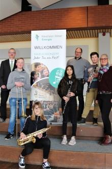 """""""Jeder Ton ein Fest!"""" - Westfalen Weser Energie-Gruppe  präsentiert familiäres Musikerlebnis in Helpsen"""
