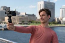 Sony presenta la nueva empuñadura GP-VPT2BT con mando a distancia inalámbrico