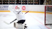 Skolträningarna en viktig ventil för spelarna på TBS Hockeygymnasium i Umeå