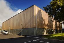 Tiundaskolans nya idrottshall invigs ikväll