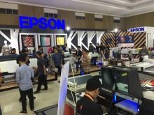 TUNJUKKAN KONTRIBUSINYA PADA DUNIA USAHA TEKSTIL, EPSON HADIR DI INDONESIA APPAREL PRODUCTION EXPO BANDUNG 2017