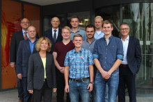 Westfalen Weser Netz bildet Netzmonteure aus: Fünf Fachexperten für den Kreis Paderborn absolvieren Fortbildung erfolgreich