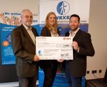 E.ON-Mitarbeiter spenden an VKKK Regensburg - Hilfe und Menschlichkeit für Kinder und die Familien kranker Kinder