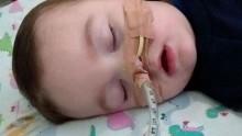 Alfie på 23 måneder holdes på et britisk sykehus for å dø der