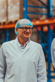 Innovatie en jongeren rode draad tijdens duurzaamheidstournee Vlaamse Ondernemers met minister Weyts bij Siemens en Colruyt Group