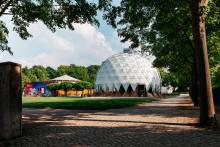 Sparkasse mit eigenem Stand und Referenten bei den Infotagen im Klima-Pavillon Weimar