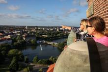 Kieler Woche Angebote - Schiffstörns, Schnuppersegeln, Rundflüge, Turmfahrten, Livemusik oder Segelkino