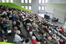 Ministerpräsident Dr. Dietmar Woidke eröffnete das 24. Sommersemester des Seniorenseminars der TH Wildau
