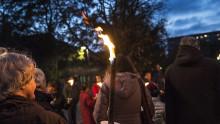 Vandring för fred med fackeltåg genom Fosie på FN-dagen