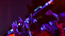 Ducha energética: Sony lleva la primera Shower Rave del mundo al festival de música de Benicàssim