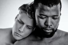 Urpremiären av den nyskrivna operan Zebran av Tebogo Monnakgotla och Kerstin Perski flyttas fram till sommaren 2021.