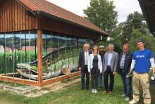 Berchinger Hecht und die Wahrzeichen der Stadt begeistern auf Trafostation - Bayernwerk schafft neuen Blickfang