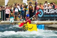 Familienfest mit Kultstatus: Das 11. Pappbootrennen im Kanupark Markkleeberg