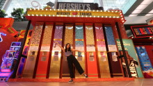 Indulge in HERSHEY'S amazing world of chocolates, fun and games at Changi Airport this March School Holidays