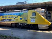 Landslagsspelarnas mamma-hyllningar pryder SJ-tåg