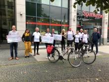Sportlicher Einsatz für Bärenherz: Initiative HerzRadeln-Leipzig erbringt große Spende
