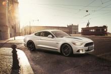 Ford představuje dvě speciální edice Mustangu: Ford Mustang Black Shadow Edition a Ford Mustang Blue Edition