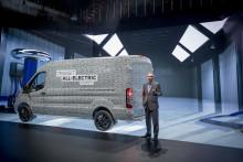 Fords bestselgende rekke av nyttekjøretøy elektrifiseres – avslører helelektrisk 2-tonns Transit