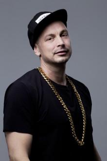 Albumaktuelle rapparen Petter på inspirationsturné i Jönköpings län