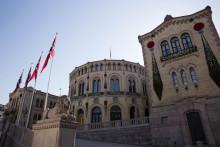 Norsk Bergindustri feirer 10 år med jubileumsutstilling foran Stortinget