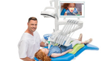 Planmeca's new dental operating light with integrated 4K cameras provides exceptional possibilities for communication, consultation and documentation