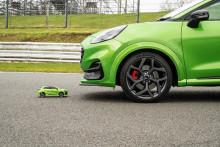 Sportovní SUV v extrémním testu agility: Ford Puma ST závodil se svojí RC replikou