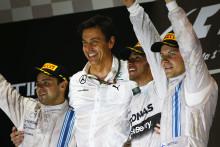 Lewis Hamilton vinner sin första världsmästartitel på Pirellidäck