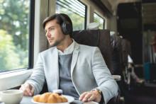 En janvier, Amazon Alexa répond au son de la voix sur le WH-1000XM3, le casque à réduction de bruit de Sony