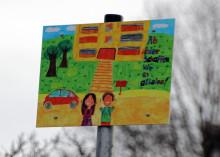 Erste Elternhaltestelle des Kreises in Bernau eröffnet